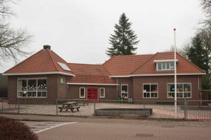 0140-0420-0009 Stationsstraat 7 Basischool De Terebint 1